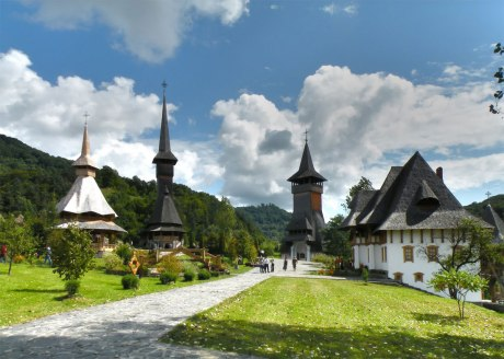 manastirea-barsana-din-tara-oasului